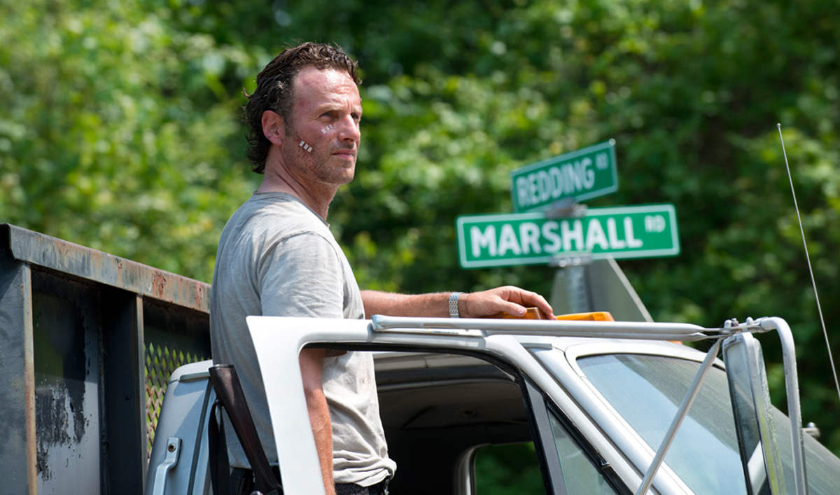 Photos – New Images From <em>The Walking Dead</em> Season 6