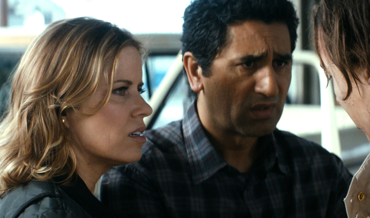 Get a Look Ahead at <em>Fear the Walking Dead</em> With This New Behind-the-Scenes Video