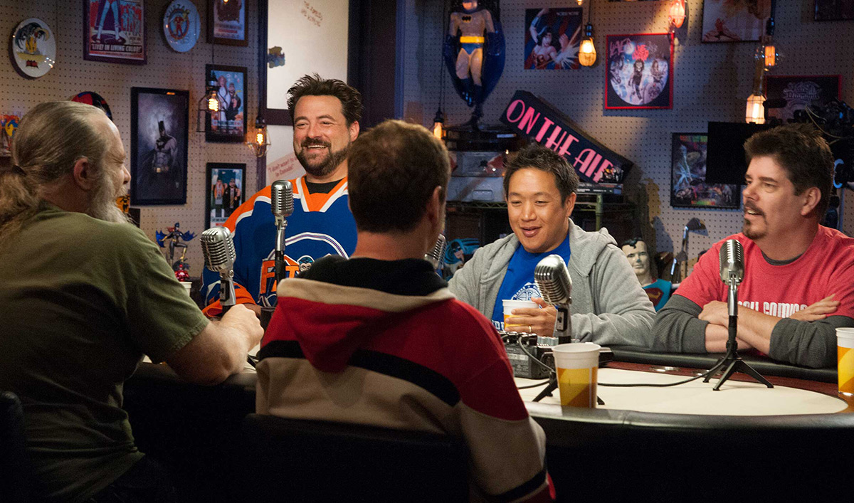 Join Kevin Smith and the Cast on the Rolling Podcast Bus-cast