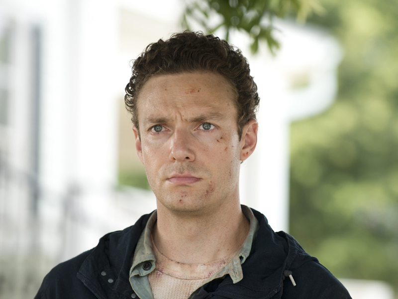the-walking-dead-episode-605-aaron-marquand-photos-800×600