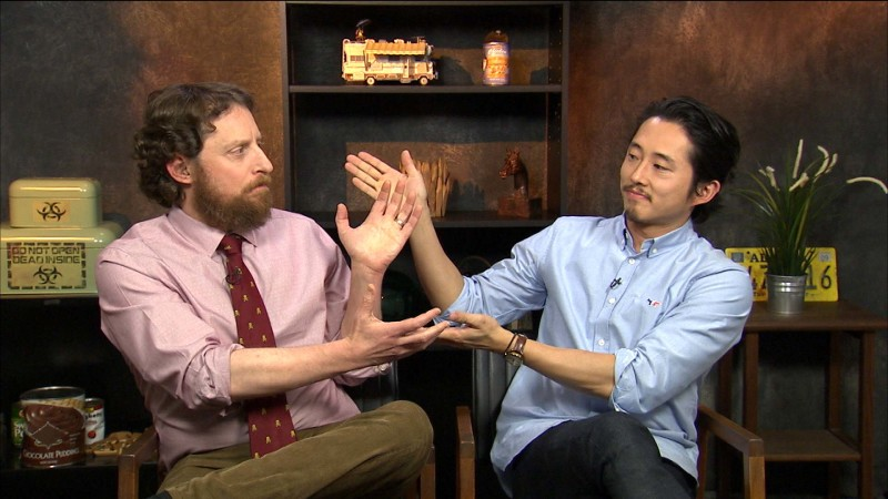 Highlights: Episode 607: Talking Dead: Steven Yeun on Glenn