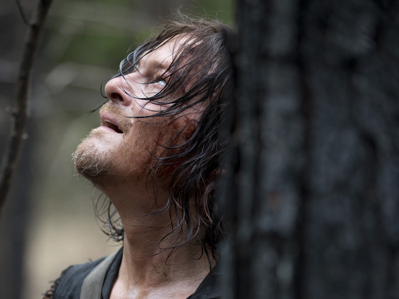 the-walking-dead-episode-606-daryl-reedus-sync-800×600-C