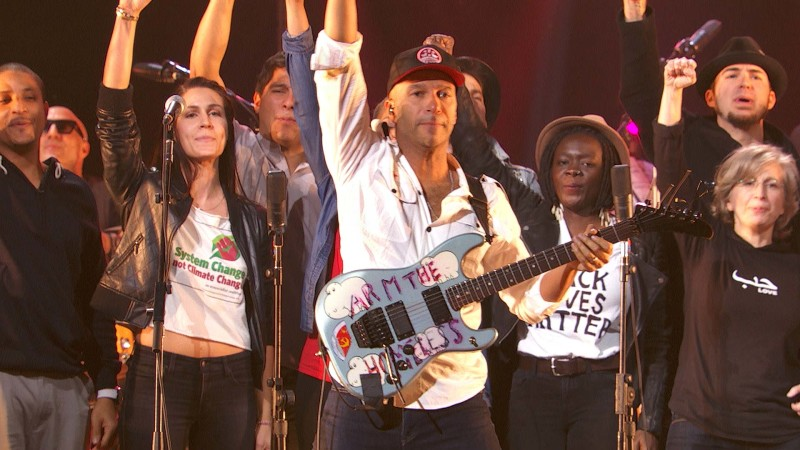 "Tom Morello Performs ""Power to the People"" at the Imagine: John Lennon 75th Birthday Concert"