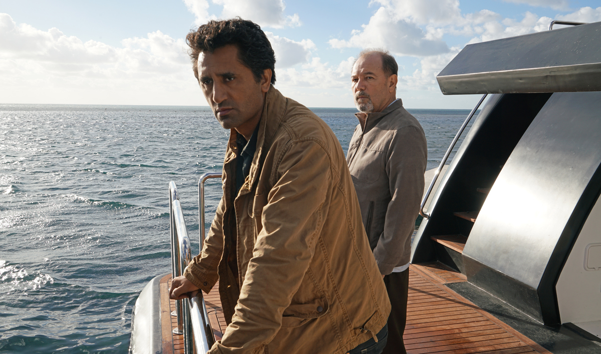 First Look at <em>Fear the Walking Dead</em> Season 2, Kicking Off April 10 at 9/8c