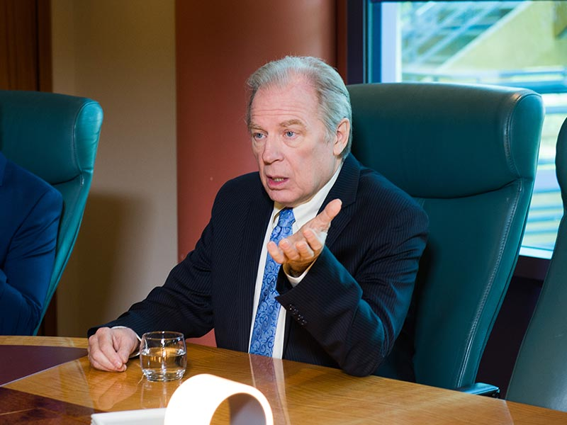 better-call-saul-episode-208-chuck-mckean-photos-800×600