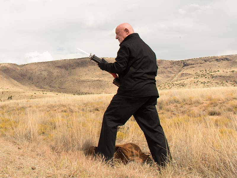 better-call-saul-episode-209-mike-banks-sync-800×600