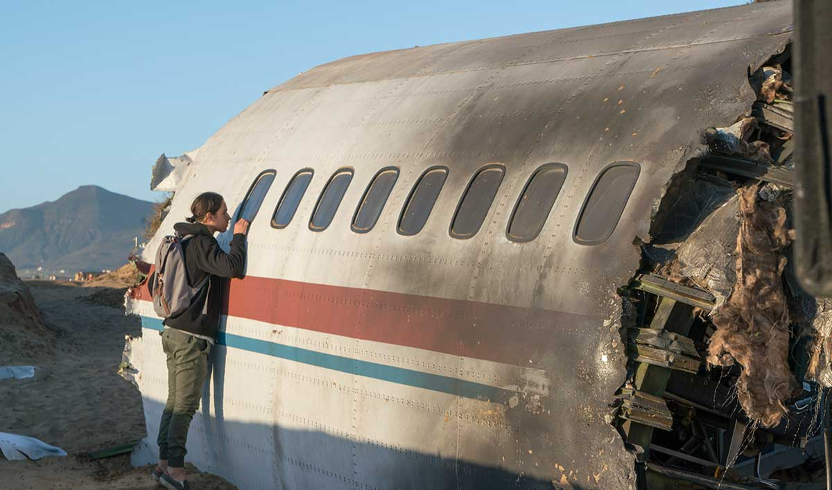 Dave Erickson Chats With <em>TVLine</em>; <em>Examiner</em> Talks to <em>Flight 462</em> Actor