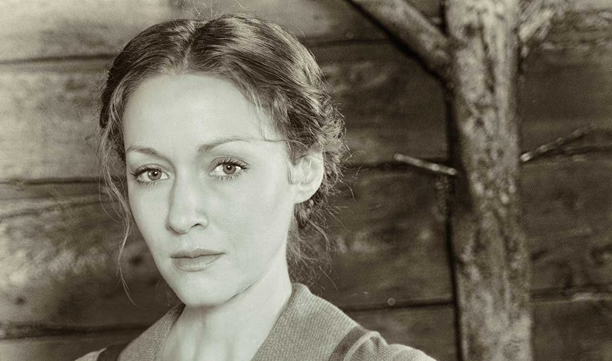 <em>Hell on Wheels</em> Q&A — Jennifer Ferrin (Louise Ellison)