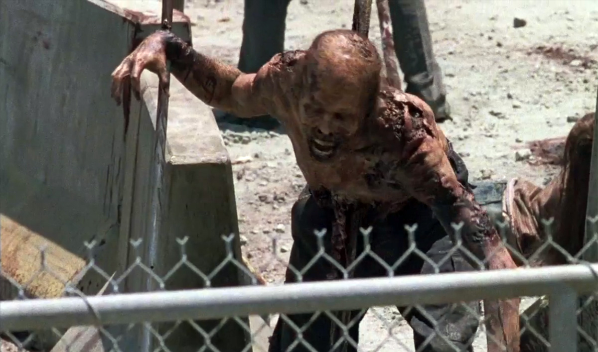 the-walking-dead-season-7-trailer-walker-1200x707-1