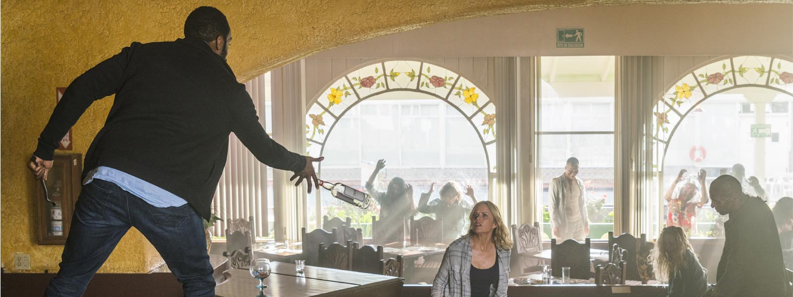 fear-the-walking-dead-episode-209-strand-domingo-madison-dickens-post-800×600