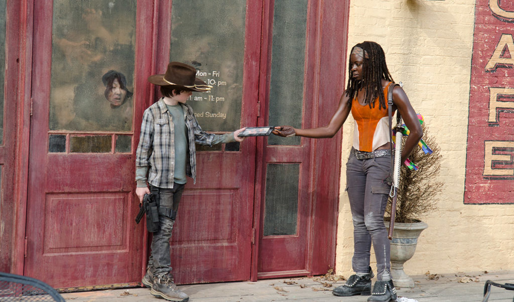 the-walking-dead-episode-312-carl-riggs-iconic-scenes-1200