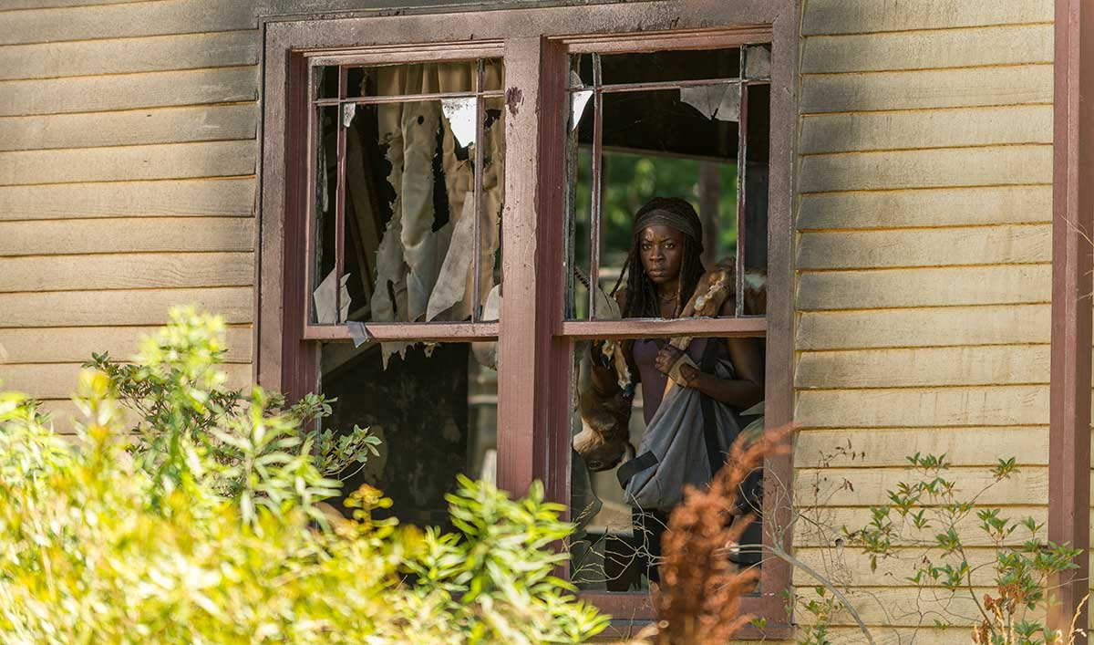 "Talked About Scene From ""Service"" — Will Michonne Follow Negan's Rules?"