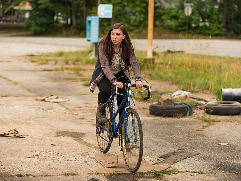 the-walking-dead-episode-705-enid-nacon-800×600-sync