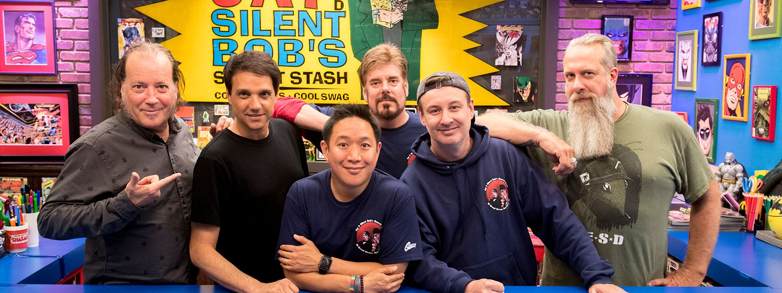 comic-book-men-609-800×600