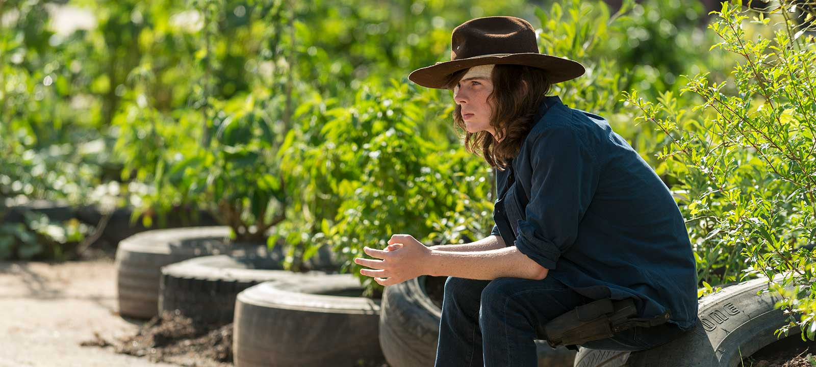 the-walking-dead-episode-709-carl-riggs-interview-800×600