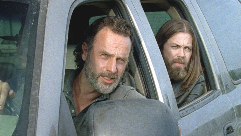 The Walking Dead Mid-Season Premiere Sneak Peek: Roadblock