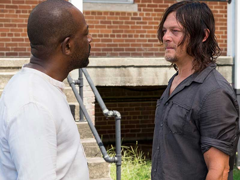 the-walking-dead-episode-709-morgan-james-daryl-reedus-800×600-photos
