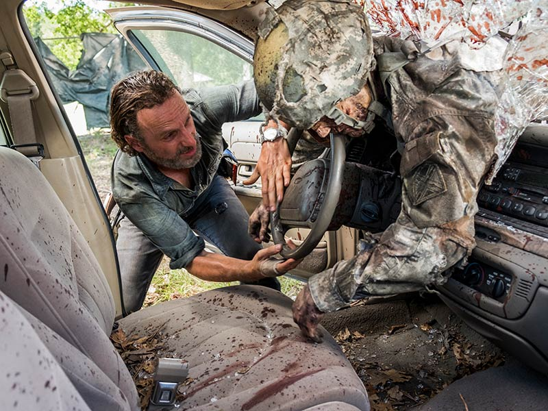 the-walking-dead-episode-712-rick-lincoln-800×600-sync-post