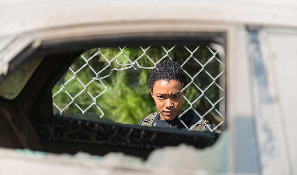 Extras for <em>The Walking Dead</em> Season 7, Episode 14