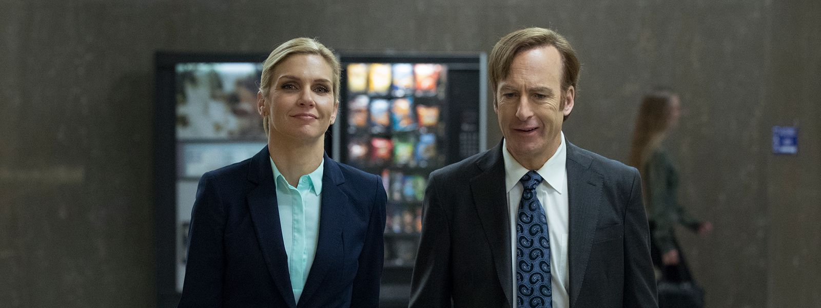 better-call-saul-304-post-kim-wexler-rhea-seehorn-bob-odenkirk-jimmy-mcgill-800×600