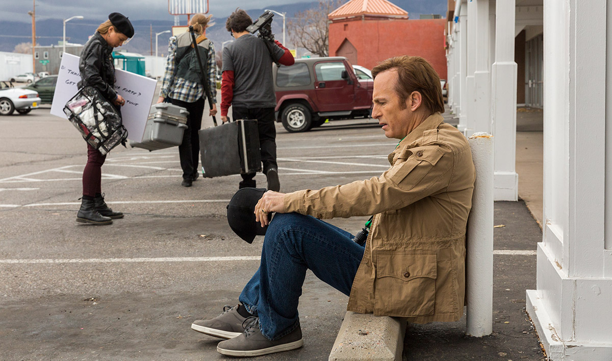 <em>EW</em> Wants Awards for Bob Odenkirk; Bryan Cranston Praises <em>Saul</em> to <em>Metro</em>