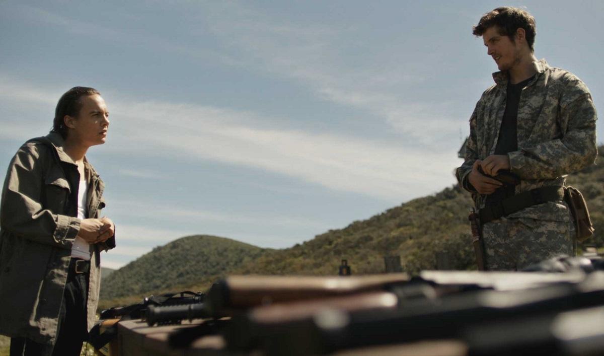 Sneak Peek of the <em>Fear the Walking Dead</em> Mid-Season Finale — Nick and Troy Build an Unlikely Alliance