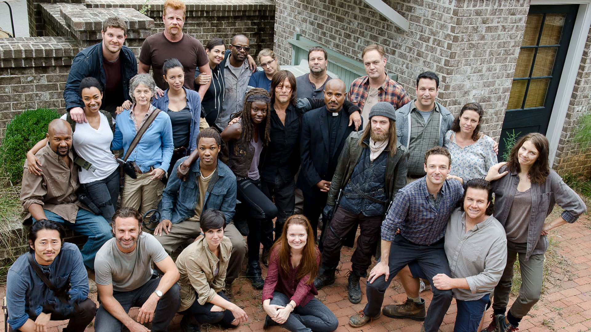 how to meet the cast of walking dead