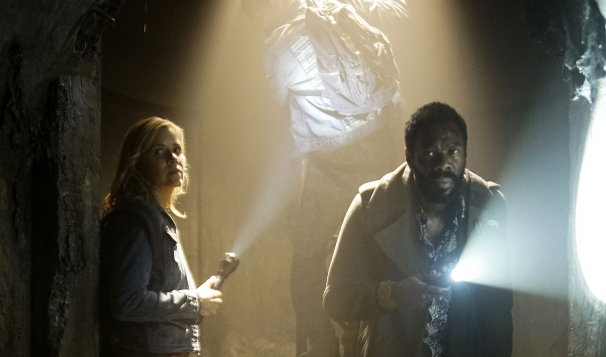 Sneak Peek of <em>Fear the Walking Dead</em> Episode 11 &#8212; The Infected Have Strand, Madison and Walker Surrounded