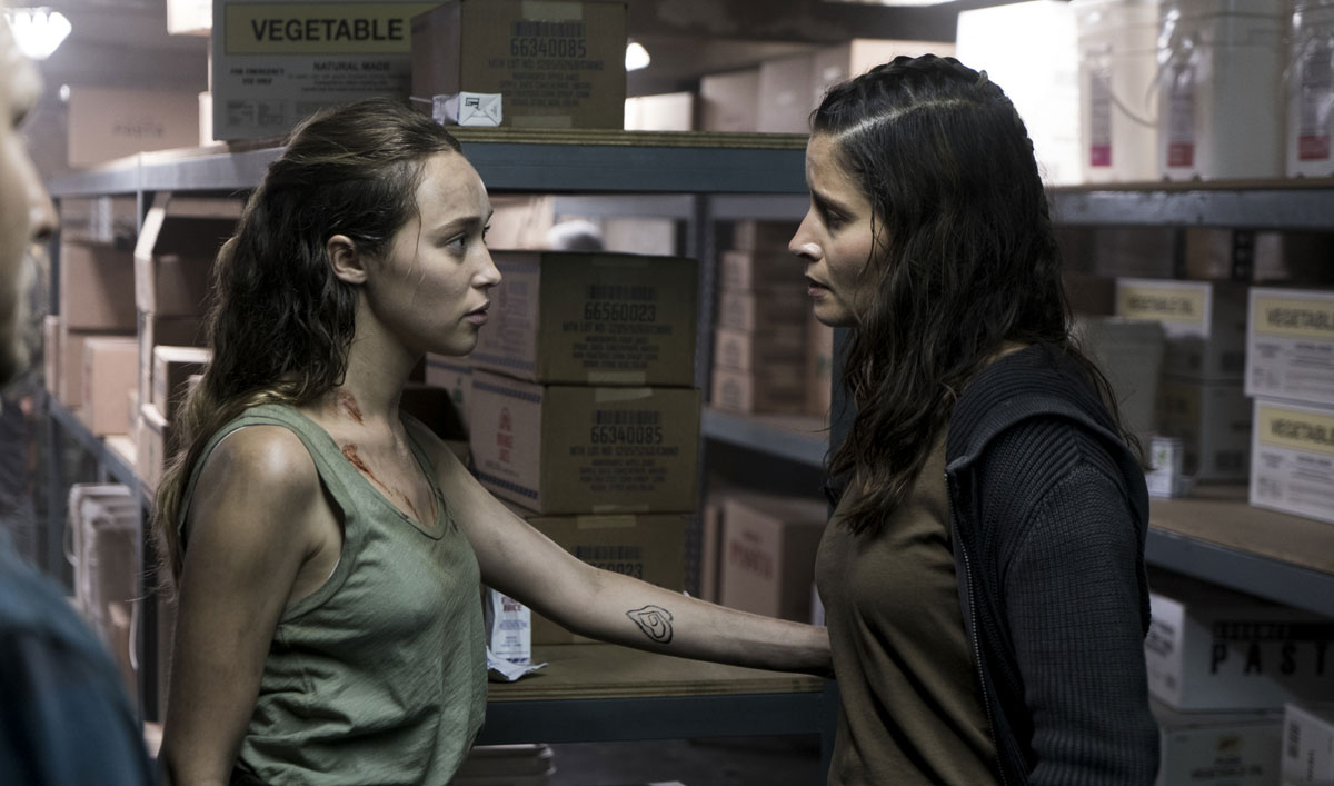 Sneak Peek of <em>Fear the Walking Dead</em> Episode 13 — Ofelia and Alicia Plot Their Next Move Against the Horde Outside