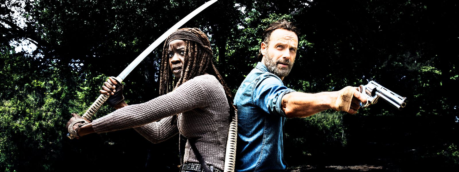 the-walking-dead-behind-the-dead-michonne-gurira-rick-lincoln-800×600