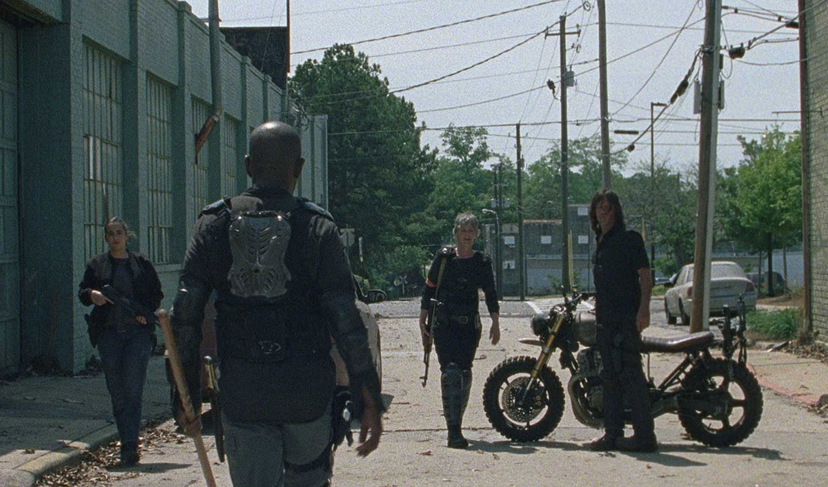 Daryl and Carol Go to War in a Sneak Peek of <em>The Walking Dead</em> Season 8 Premiere