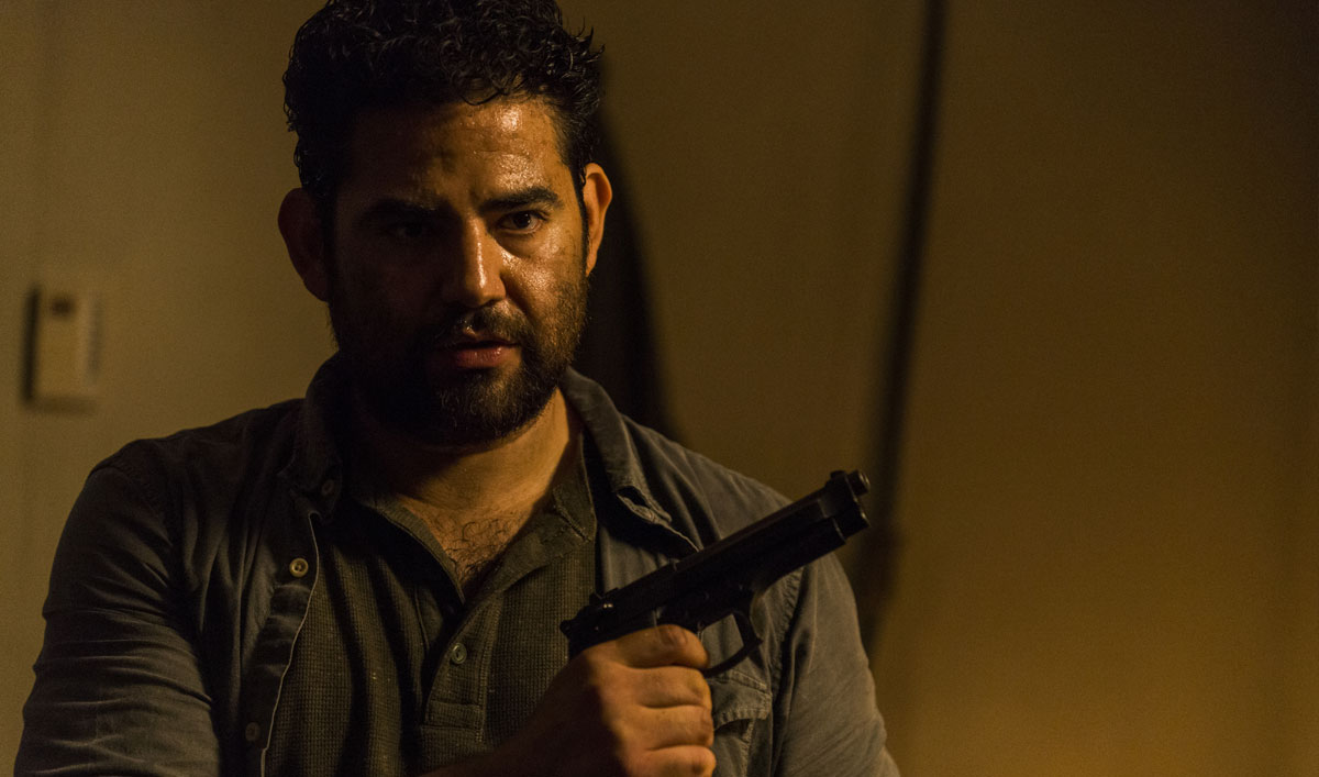 Sneak Peek of <em>The Walking Dead</em> Episode 3 — Morales Has Rick Cornered