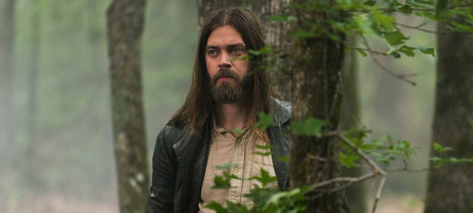 the-walking-dead-episode-803-jesus-payne-1200×707-interview