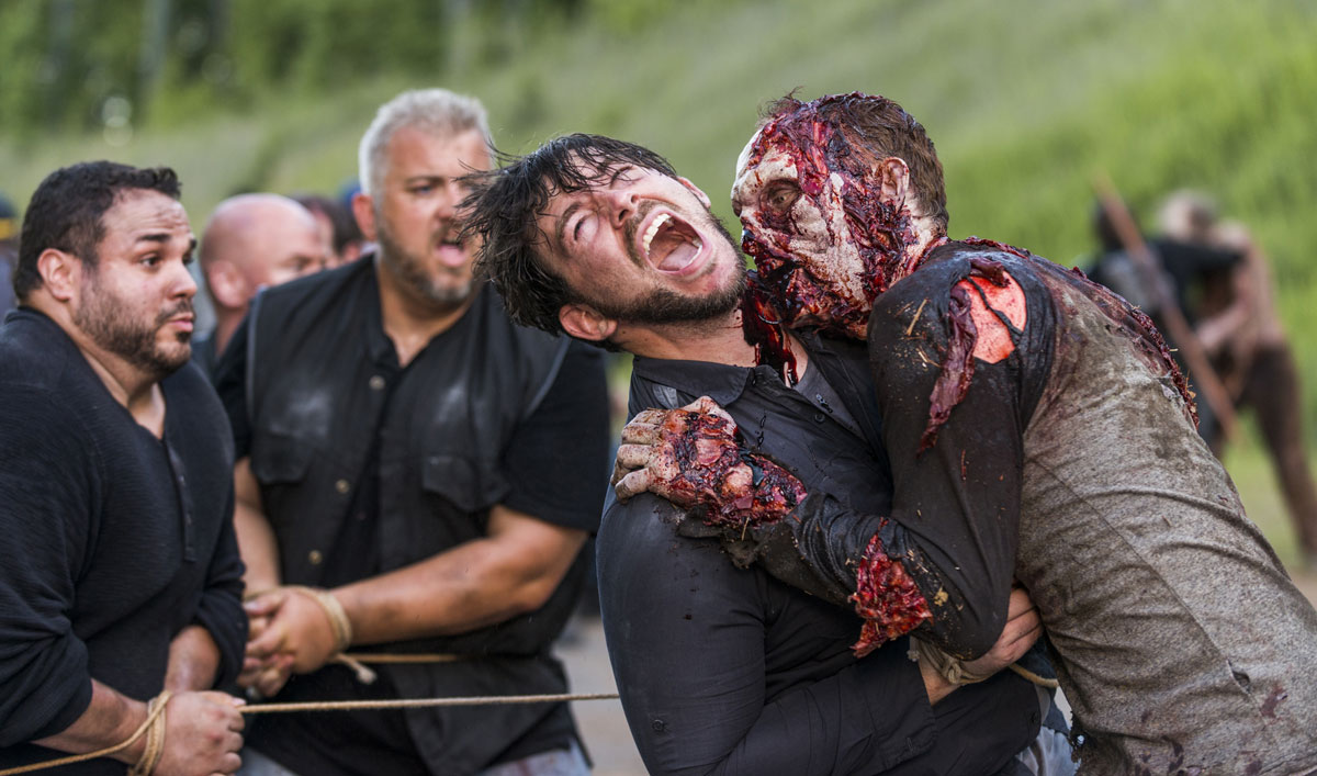 Go Behind the Scenes of the Walker Attack in <em>The Walking Dead</em> Episode 3