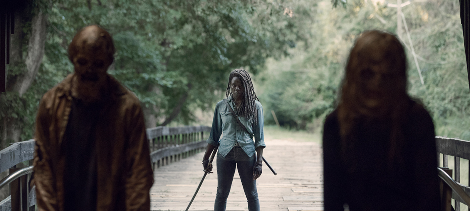 the-walking-dead-episode-909-extended-michonne-gurira-800×600