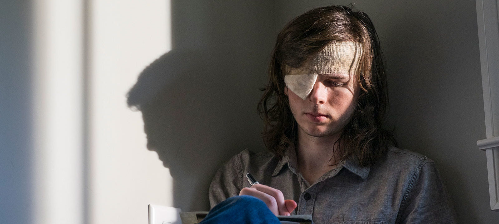 the-walking-dead-episode-809-carl-riggs-800×600-interview