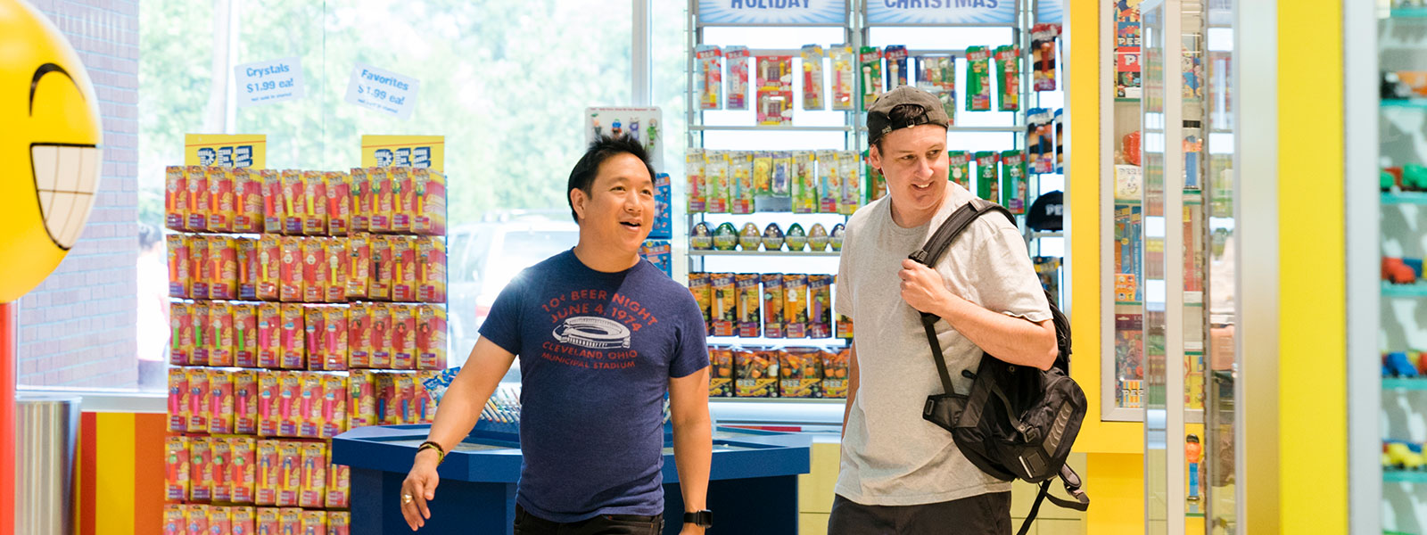 comic-book-men-711-ming-walt-800×600