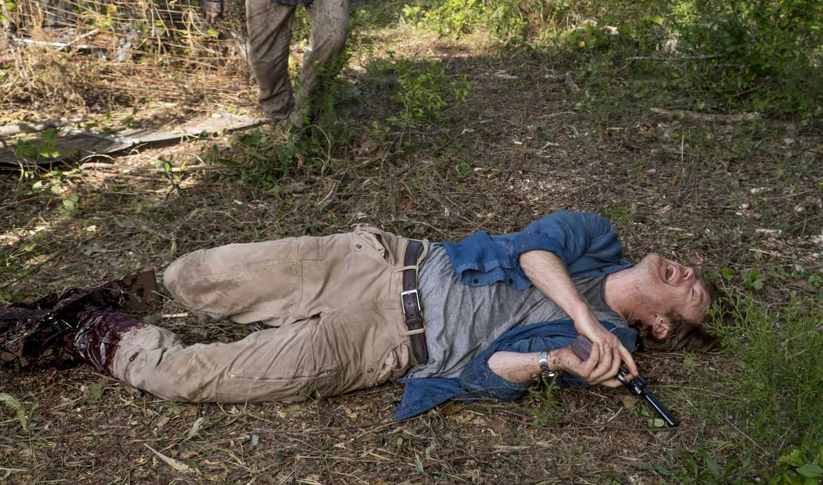 How the Crew Gave the Effect of Impaling Dr. Carson&#8217;s Leg in <em>The Walking Dead</em> Episode 11