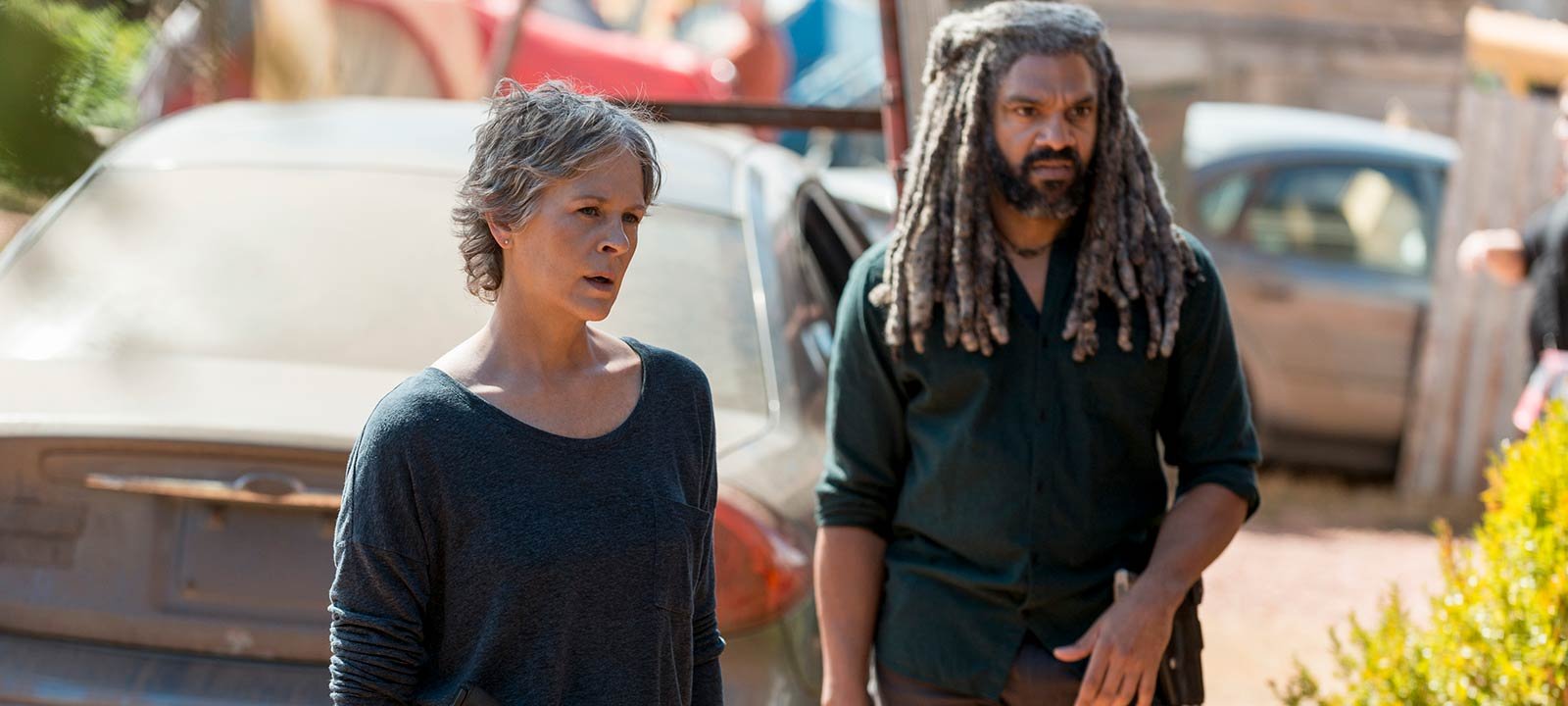 the-walking-dead-episode-813-carol-mcbride-ezekiel-payton-800×600-interview
