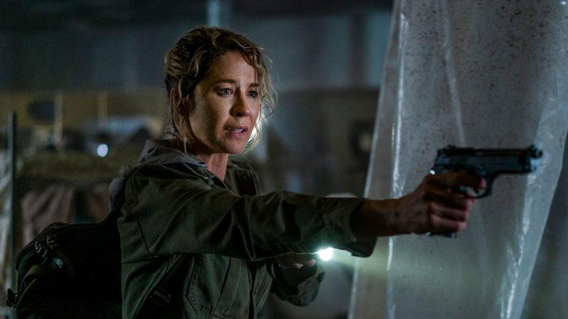 (SPOILERS) <em>Fear the Walking Dead</em> Q&A — Jenna Elfman (Naomi)