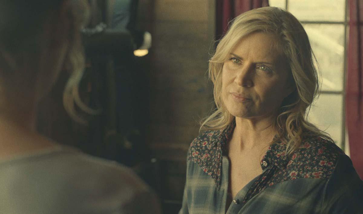 "Sneak Peek of <em>Fear the Walking Dead</em> Episode 7 — Naomi Warns Madison ""We're Not Safe Here"""
