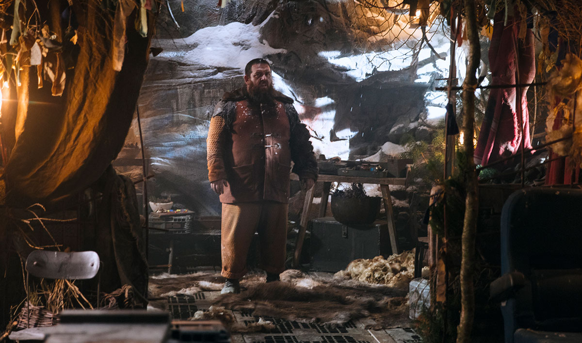 Extras for <em>Into the Badlands</em> Episode 5