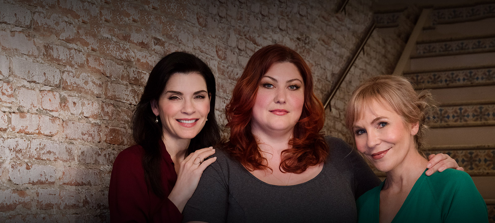 the-minds-behind-dietland-julianna-margulies-joy-nash-800×600-nologo