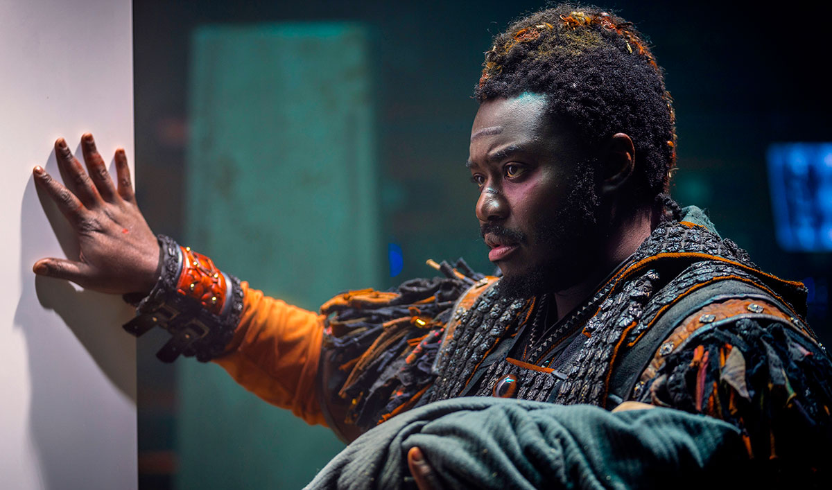 (SPOILERS) <em>Into the Badlands</em> Q&#038;A — Babou Ceesay (Pilgrim)