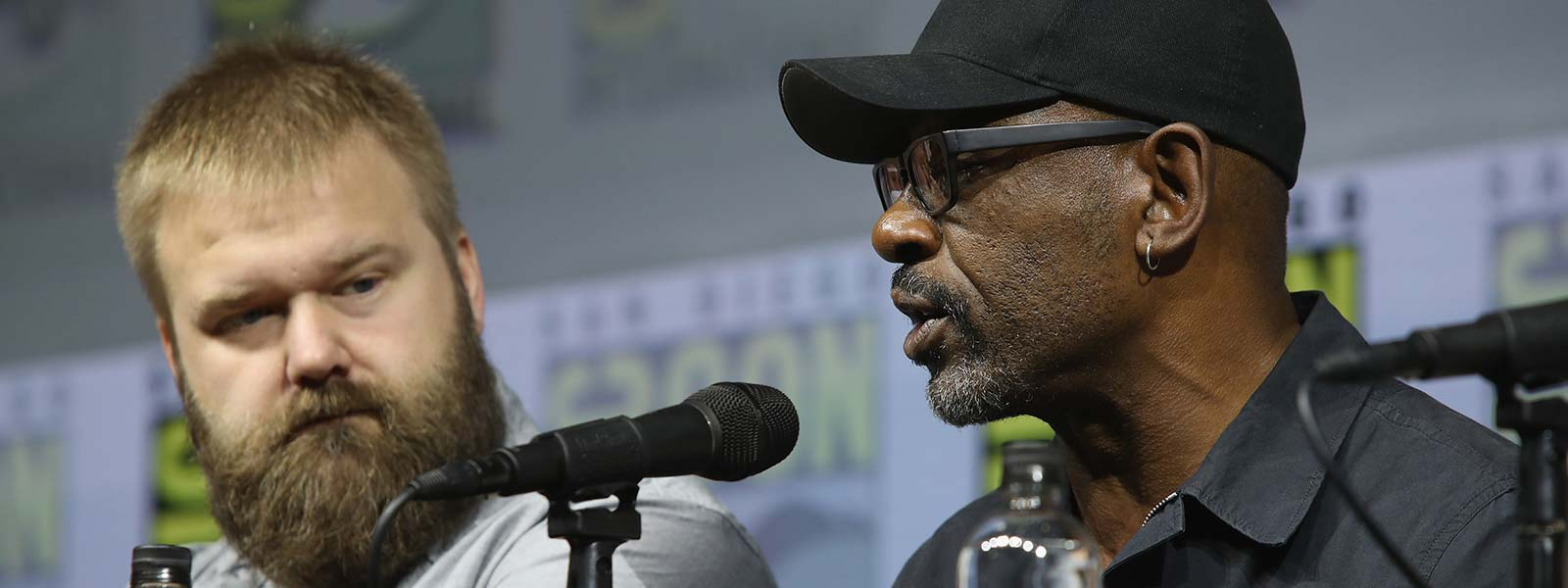fear-the-walking-dead-season-4-comic-con-panel-robert-kirkman-lennie-james-800×600