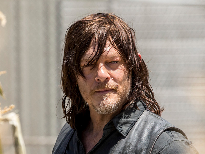 the-walking-dead-episode-901-daryl-reedus-800×600-1