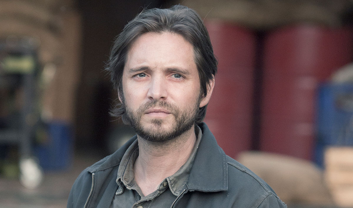 (SPOILERS) <em>Fear the Walking</em> Dead Q&#038;A — Aaron Stanford (Jim)