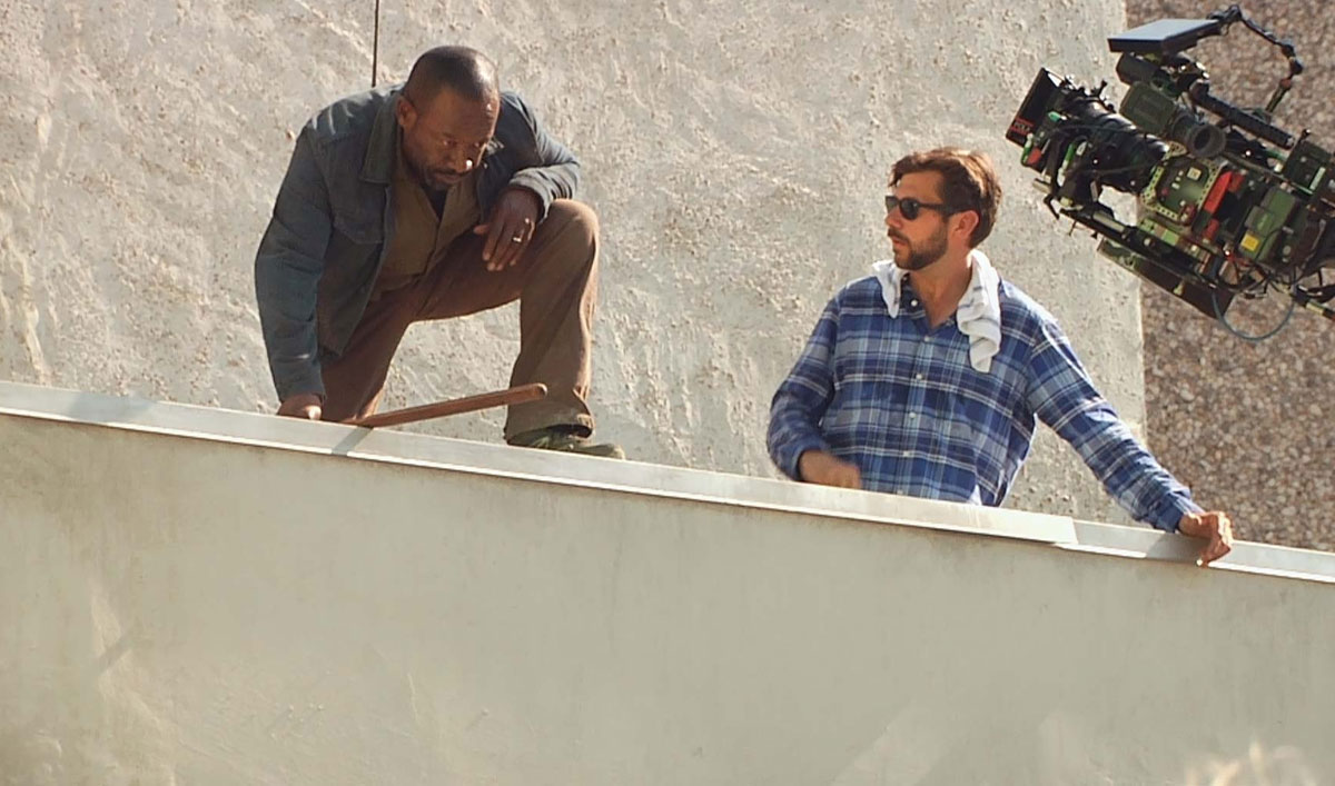 Go on Set as Morgan Leaps Off the Roof… and Into the Hands of a Walker in <em>Fear the Walking Dead</em> Episode 15