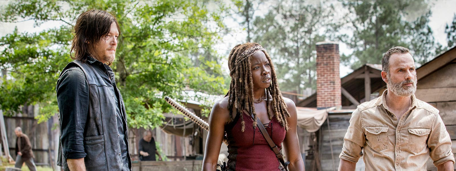 the-walking-dead-episode-901-daryl-reedus-michonne-gurira-prep-800×600