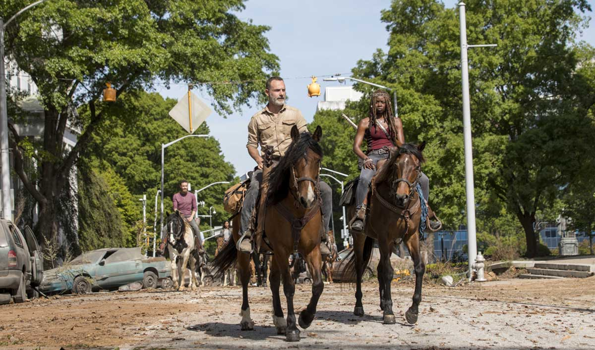 Go on Set of a Post-Apocalyptic Washington D.C. in <em>The Walking Dead</em> Season 9 Premiere